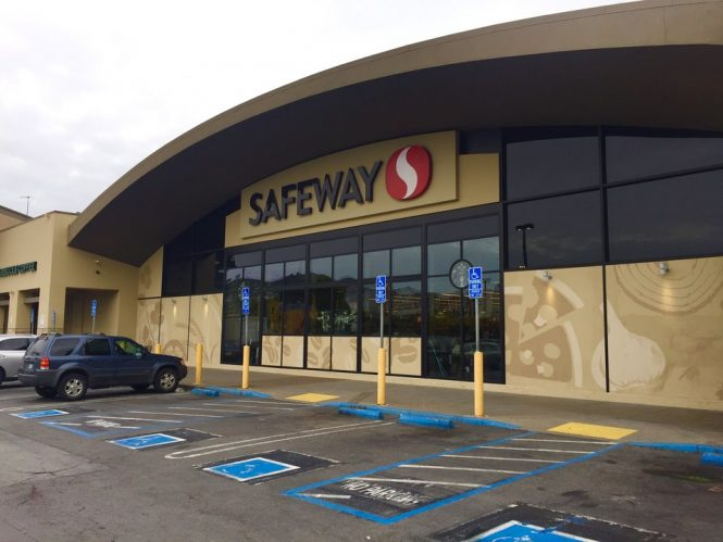 Safeway Operating hours